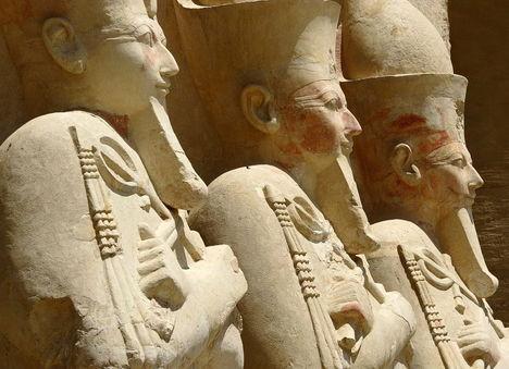 Szobrok a Hatshepsut templomban, Deir el Bahri-Théba-Luxor