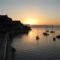 A felkelő Nap a Régi erőd mellett, Korfu városában