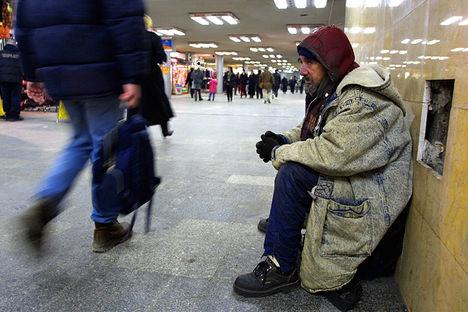 hajléktalan az aluljáróban