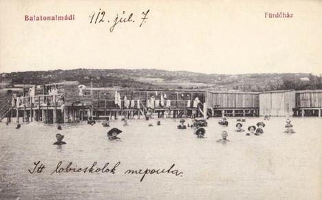 Balatonalmádi fürdőház, képeslap.