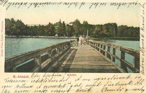 Balatonalmádi-kikötő képeslap.