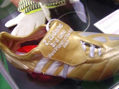 Bajnokok Ligája kiállítás - Zidane cipője
