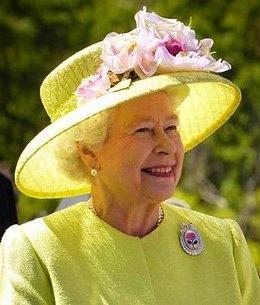 II. Erzsébet királynő vidáman