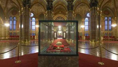 Koronázási ékszerek a Parlamentben, Budapest