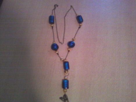 kék csomózott lánc