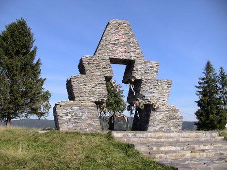 Honfoglalási emlékmű a Vereckei-hágón