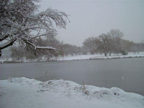 Esik a hó... 2009.12.19.