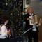 Birkásné Sej Edit és társa karácsonyi dallamokat játszik