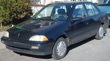 Amerikai Suzuki(Pontiac_Firefly)