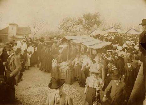 A húsvéthétfői emmauszjárás szokásából kialakult búcsú a Gellért-hegyen, 1907.