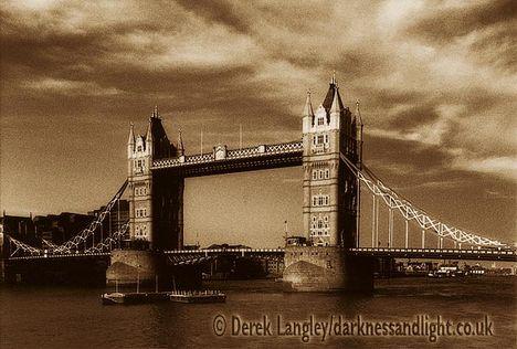 London Tower Bridge 004