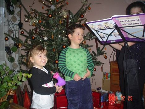 karácsony 2009  Virág unokám