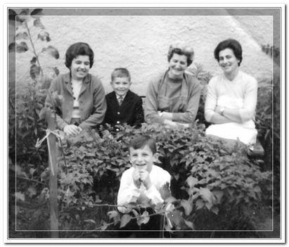 Eliz néni, Kiss Ernő, Kapuvári hölgy, Bözsi néni, Tihamér