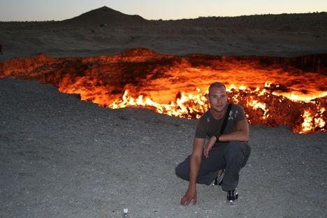 Davarza kráter, Türkmenisztán