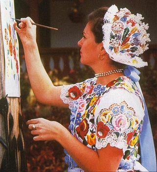 Kalocsai festőnő