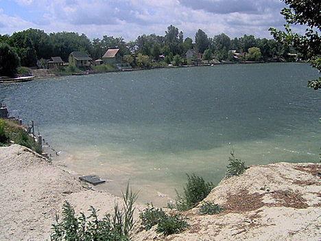 Csepel Sóhegyi kavicsos tó