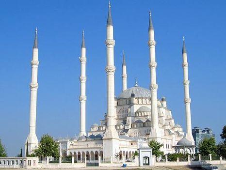 Sabanci Merkez-mecset