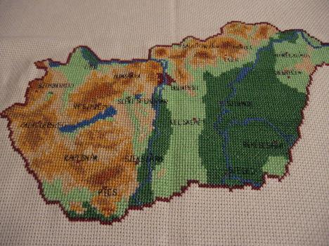 Magyarország ( x szemes hímzés )