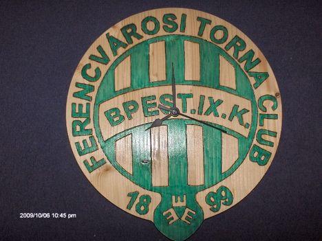 Fradi címer falióra