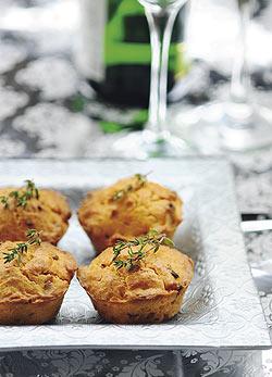 Sonkás-kolbászos sajtos muffin