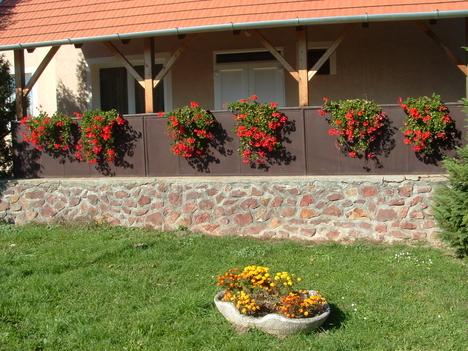 Virágos kultúrotthon
