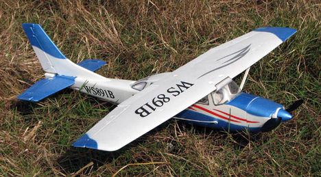 RC modell repülő - Cessna T-206
