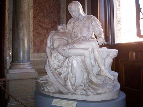Vatikáni Múzeum, Pieta (másolat)