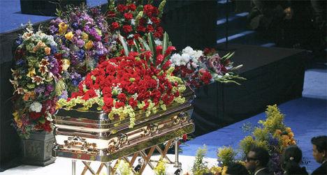 a temetésen