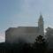 A tihanyi templom felszálló ködben