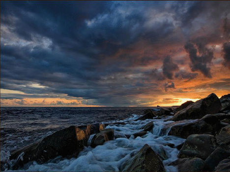 Viharos tenger