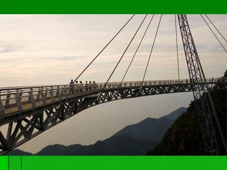 Egyoszlopos híd Malajziában  10