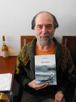 Egy repülős regény az írója kezében