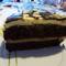 Fehér-fekete csokitorta szelet