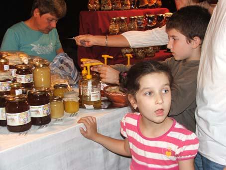 Kicsik és nagyok egyaránt szeretik a mézet