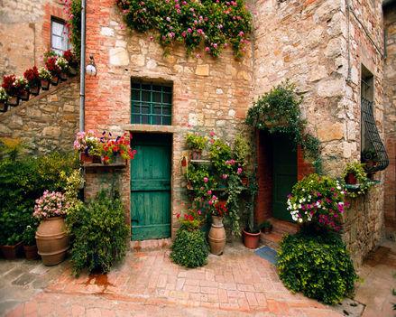 Toscana - virágos ház