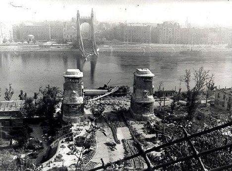 Erzsébet híd 1944-ben