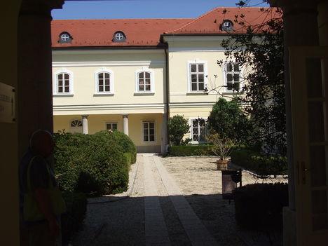 Röjtökmuzsaji Szidónia Kastély 16