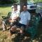a jövendőbeli szépkorúak kipróbálták, hogy mennyire kényelmes a körtefa alatt pihenni a padon