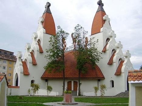Csikszereda Makovecz templom