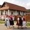 Kazár: Vasalómúzeum előtt