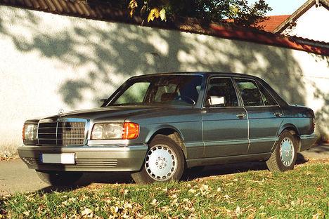 800px-Mercedes-Benz_500_SE,_1987