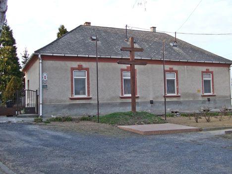 A Plébánia, 1991 óta nincs lakója.