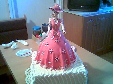 Barby babás szögletes torta.