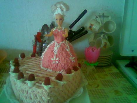 Barby babás torta.