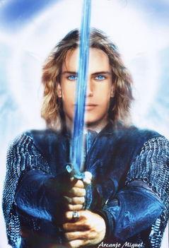 Mihály védelmező kardjával