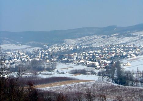 Tényő téli látképe