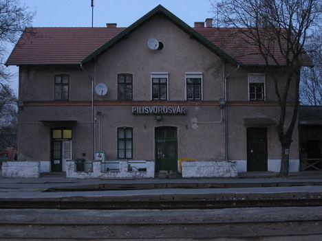 Pilisvörösvár vasútállomás fogadó épület