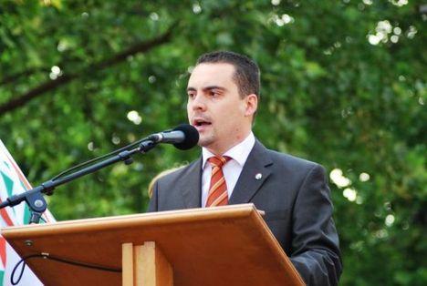 Vona Gábor kihívta Orbánt!