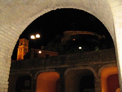 Éjszakai túra a Régi erődben, Korfuváros