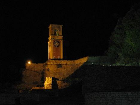 Óratorony, Régi erőd, Korfuváros